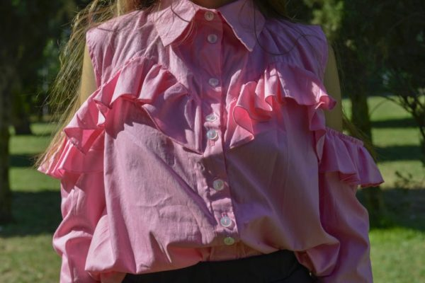 'Adios' Frilly tailor shirt in Pink detail 4