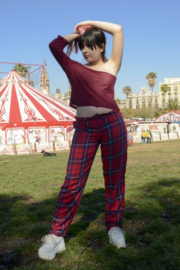 Rave in Circus Plaid straight pants detail 1