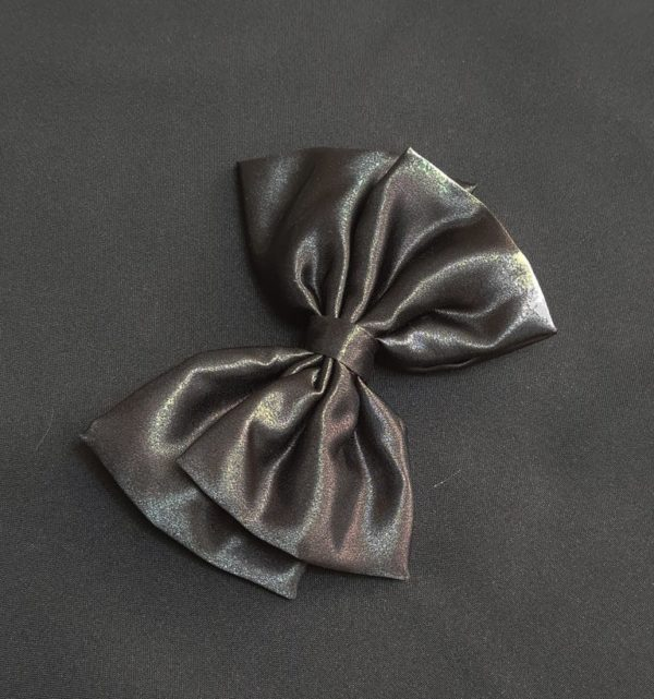 Ribbolutton Official Bow in Black cover