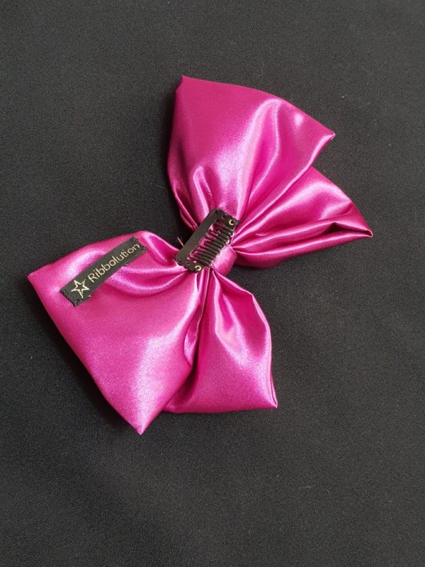 Ribbolutton Official Bow in Hot Pink detail