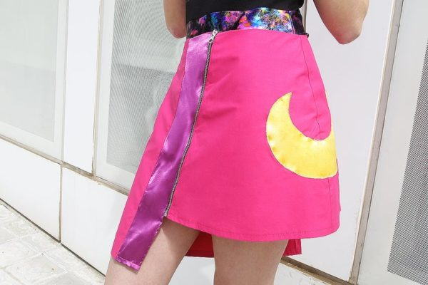 Holotastic moon asymmetric pink Skirt cover