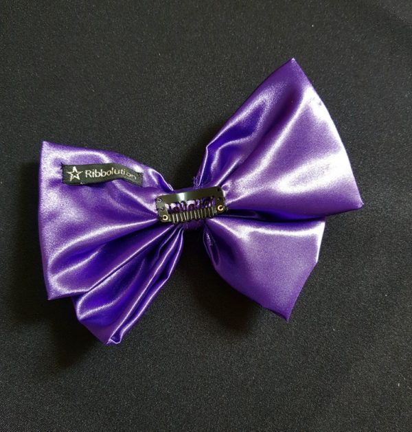 Ribbolutton Official Bow in Purple detail