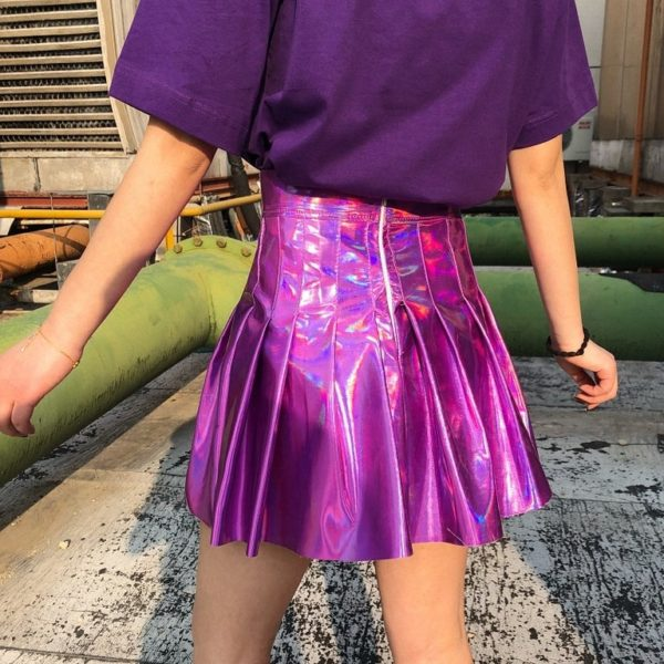 Holographic Pleated skirt in pink detail 2