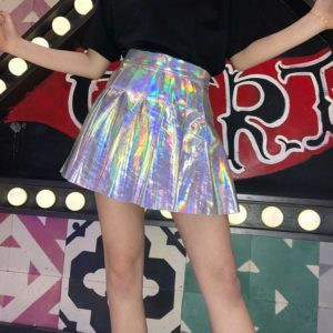 Holographic pleated skirt in silver cover