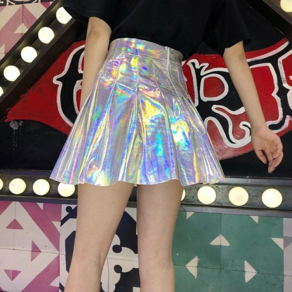 Holographic pleated skirt in silver detail 1